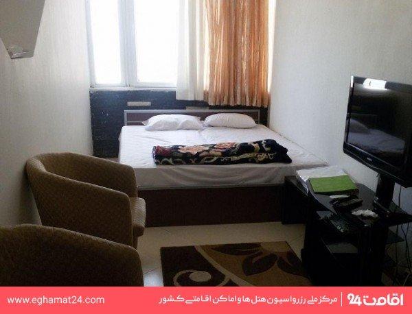 اتاق دو تخته رو به خیابان