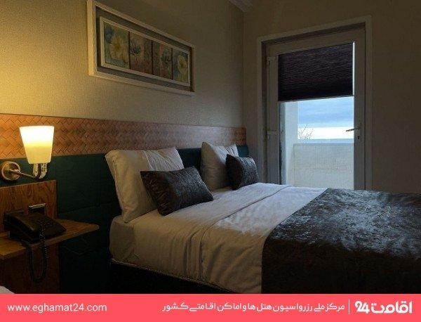 اتاق دو تخته رو به دریا