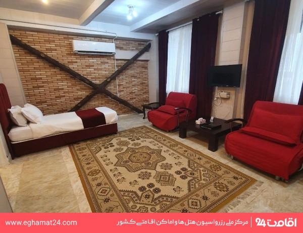 اتاق سه تخته ویژه بالکن رو به دریا
