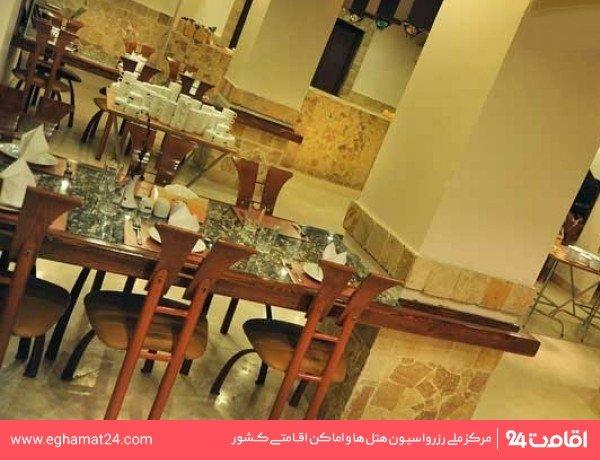 رستوران ایرانی ملک