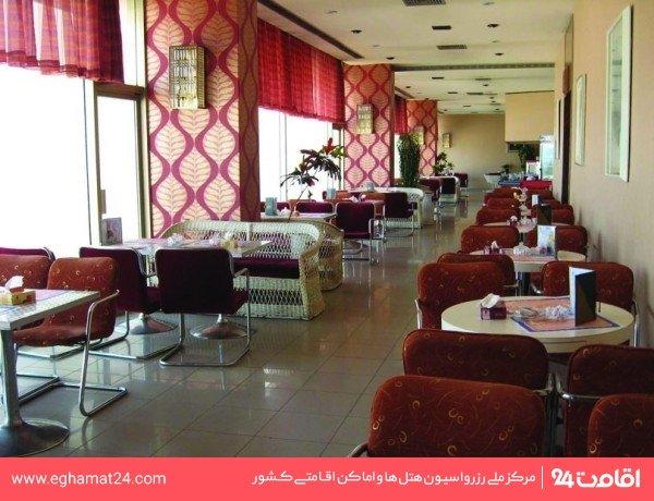رستوران چشم انداز