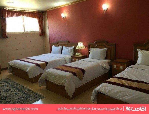 اتاق پنج نفره (چهار تخته + یک سرویس اضافه)