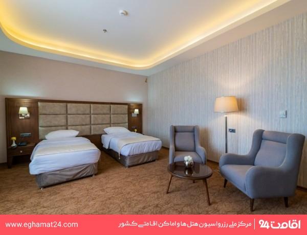 اتاق سه تخته B