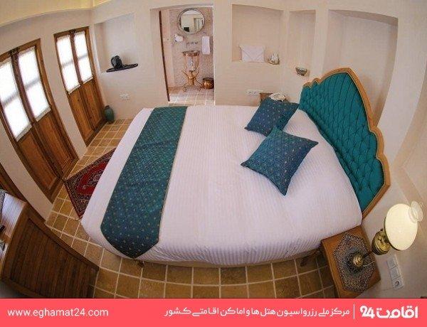 اتاق دو تخته سه دری (114)