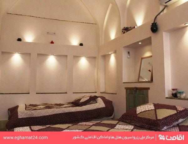 اتاق دو تخته دو دری (فاقد سرویس بهداشتی و حمام)