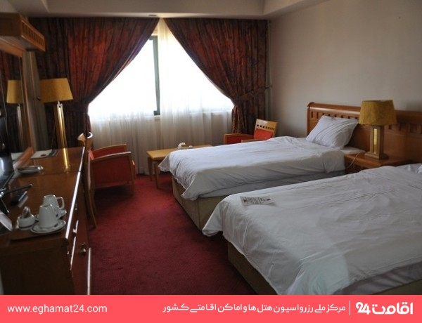 اتاق دو تخته توئین معمولی