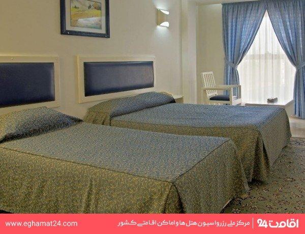 اتاق سه تخته (دو تخته + سرویس اضافه)