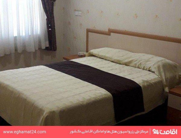 اتاق پنج نفره (سه تخته+سرویس اضافه)