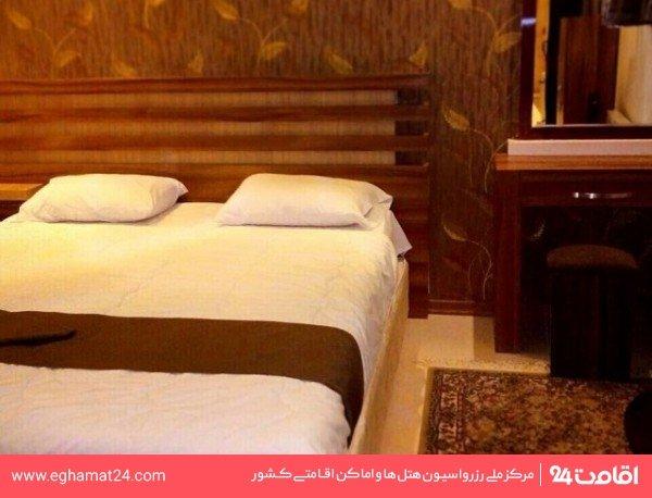 اتاق سه نفره فولبرد (دو تخته + سرویس اضافه)
