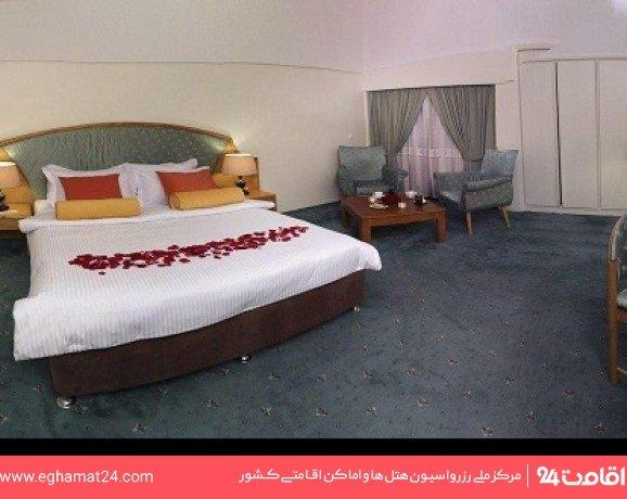 اتاق دو تخته دبل کلاسیک طبقه اول(سرویس ایرانی-طبقه صبحانه خوری)