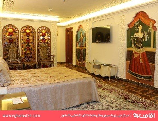 سوئیت یکخوابه چهار نفره قاجاری