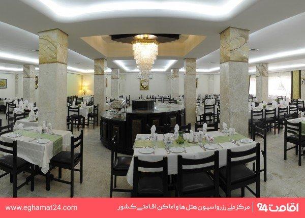 رستوران برگ سبز