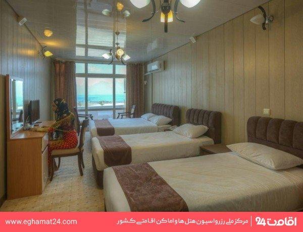 اتاق چهار تخته رو به دریا
