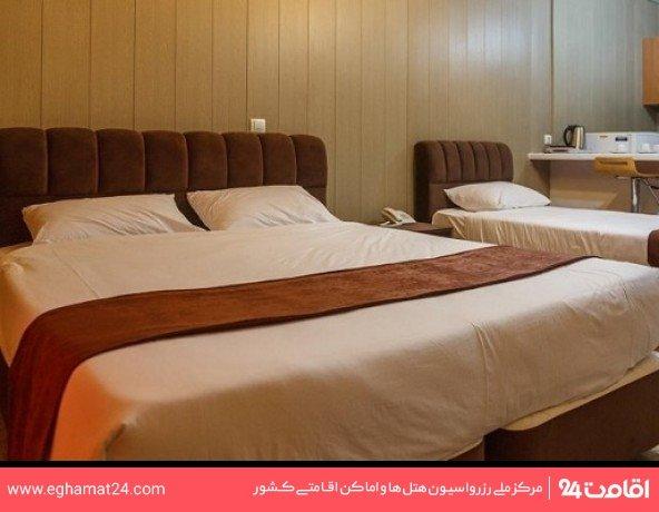 اتاق سه تخته رو به جزیره