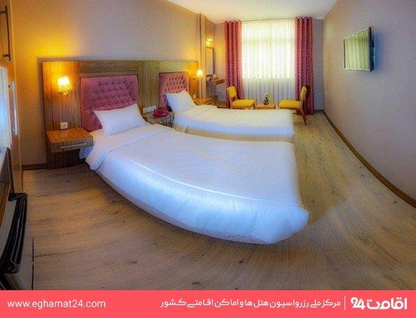 اتاق سه تخته
