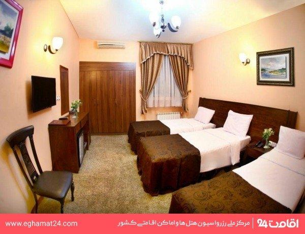 اتاق سه نفره(دو تخته+سرویس اضافه)