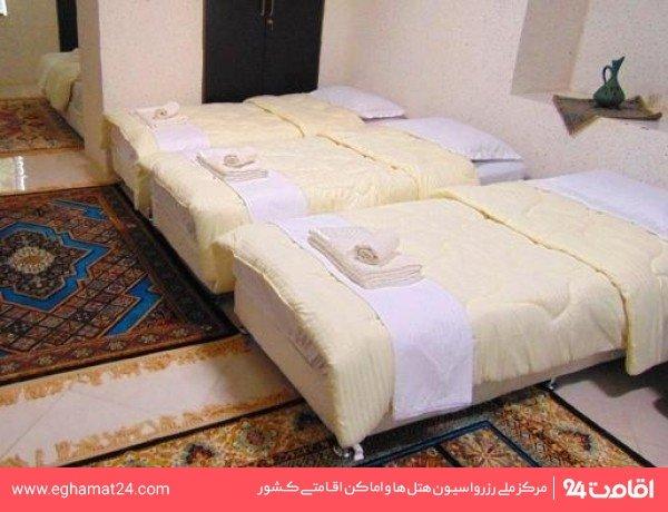 اتاق حافظ (طبقه ورودی رو به باغ)