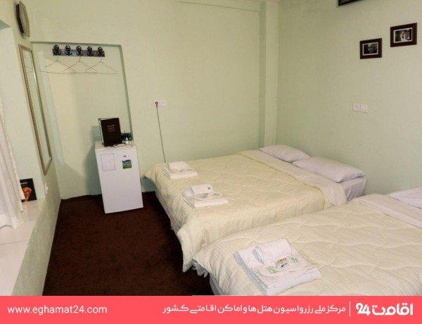 اتاق نیما یوشیج (محوطه سبز باغ)