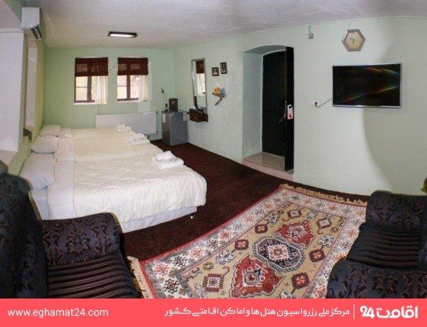 اتاق سهراب سپهری (طبقه دوم رو به باغ)