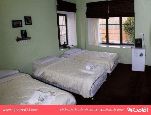 اتاق احمد شاملو(طبقه دوم رو به باغ)
