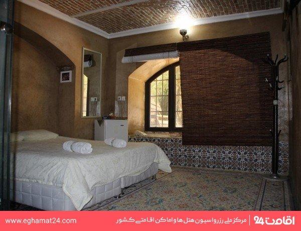 اتاق سعدی ( طبقه ورودی رو به باغ )