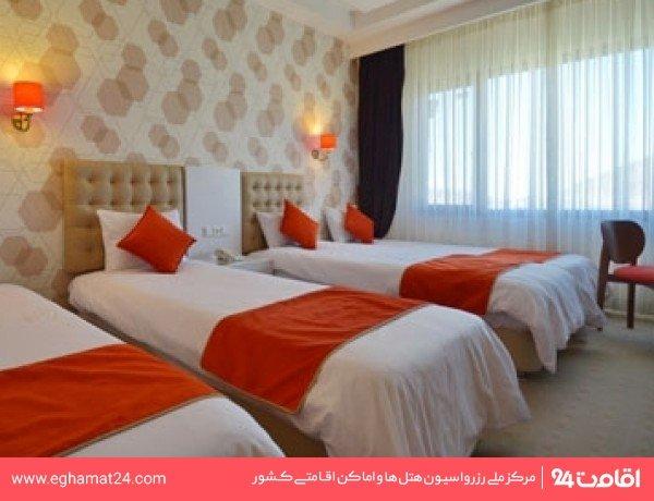 اتاق چهار نفره استاندارد ( دو تخته + دو سرویس اضافه )