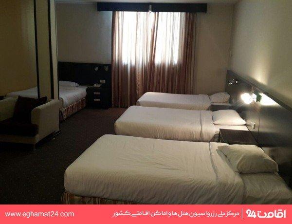 اتاق سه تخته میهمان خارجی