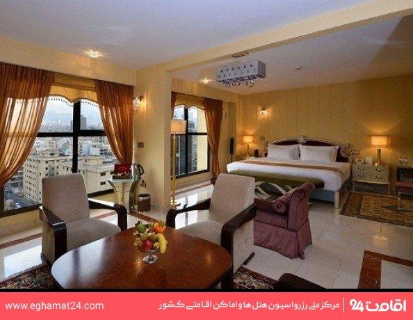 اتاق دو تخته استاندارد توئین رو به بلوار(طبقات 3 تا 10)