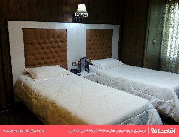 اتاق دو تخته (فاقد سرویس بهداشتی و حمام)