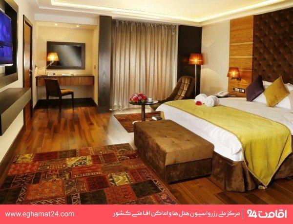 اتاق یک تخته 8 ساعته بدون صبحانه (8 صبح تا 8 شب)