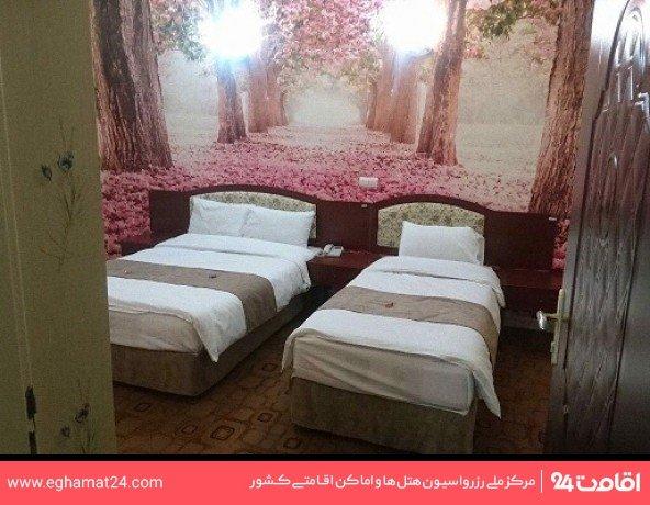 اتاق دو تخته داخل هتل