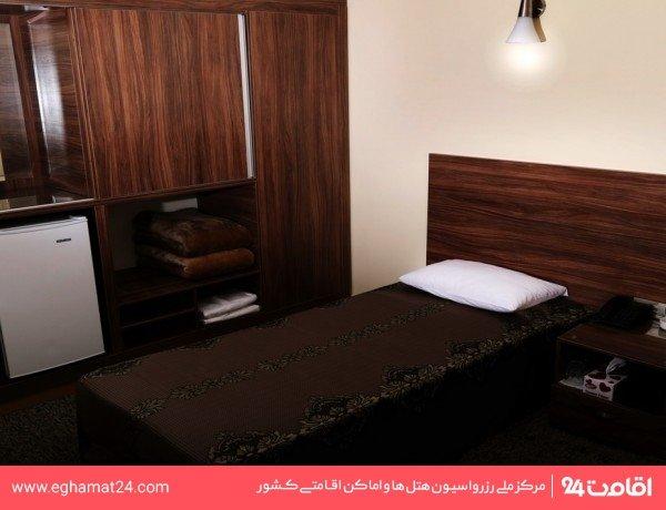 اتاق یک تخته (فاقد سرویس بهداشتی و حمام)