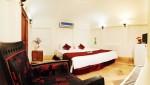 هتل تاریخی لب خندق