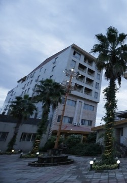هتل الماس عباس آباد