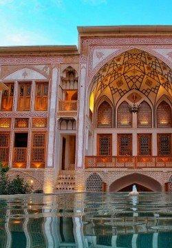 هتل مهینستان راهب کاشان