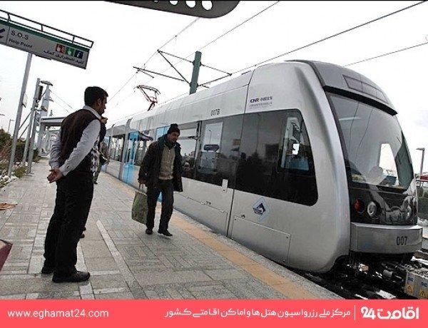 ایستگاه قطار شهری پارک ملت