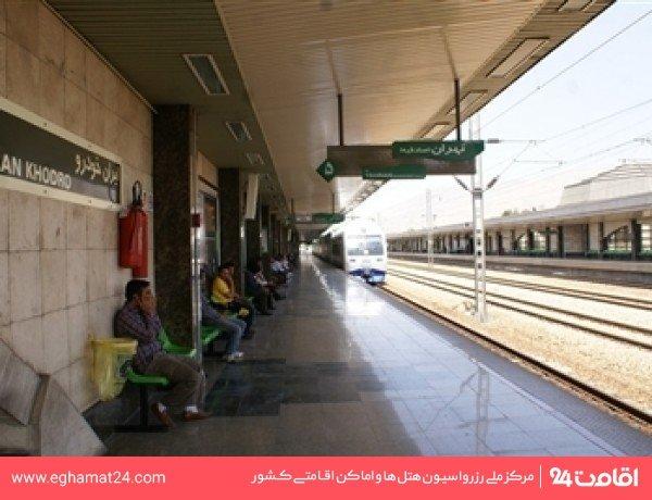 ایستگاه قطار شهری ایران خودرو