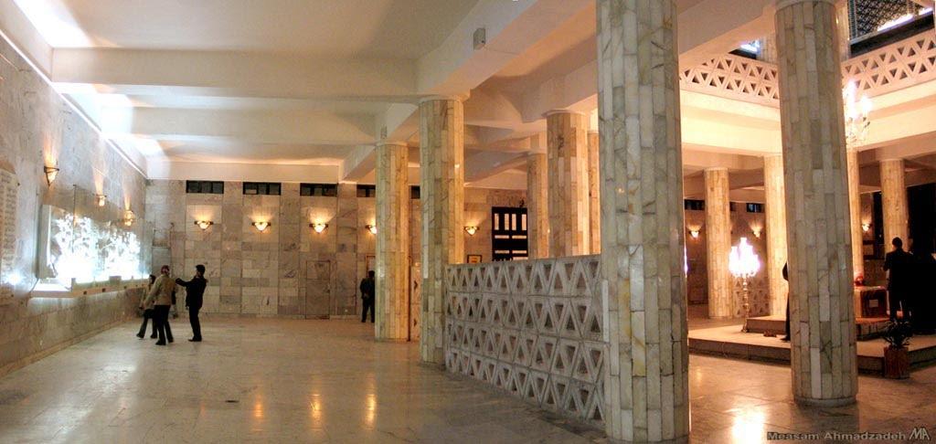 آرامگاه فردوسی در توس