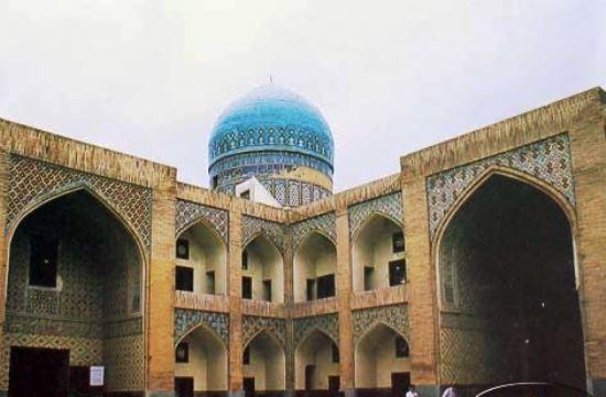 مدرسه پریزاد مشهد ، واقع در حرم رضوی