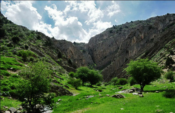 آبشار قره سو در مشهد