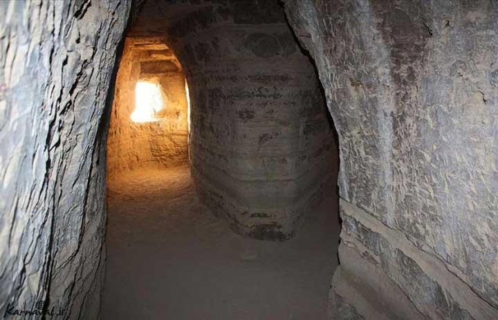 راهرو در غار خربس در جزیره قشم