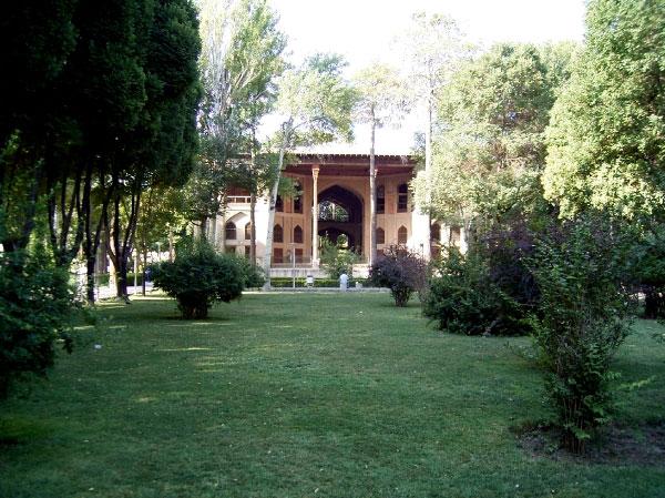 کاخ هشت بهشت اصفهان : عمارت تاریخی اصفهان