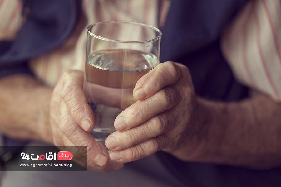 کم آبی بدن در سالمندان