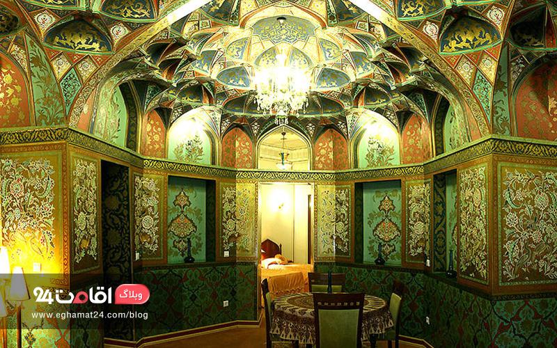 سبز زمردین هتل عباسی