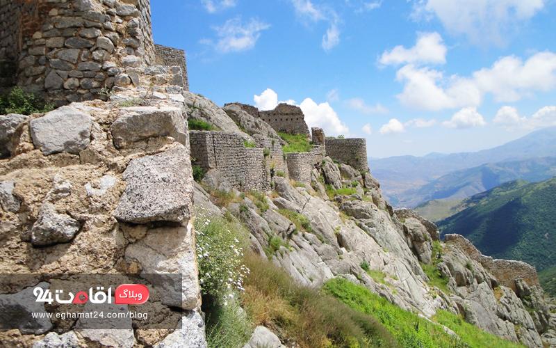 بنای قلعه بابک