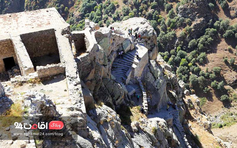 مسیر دسترسی قلعه بابک