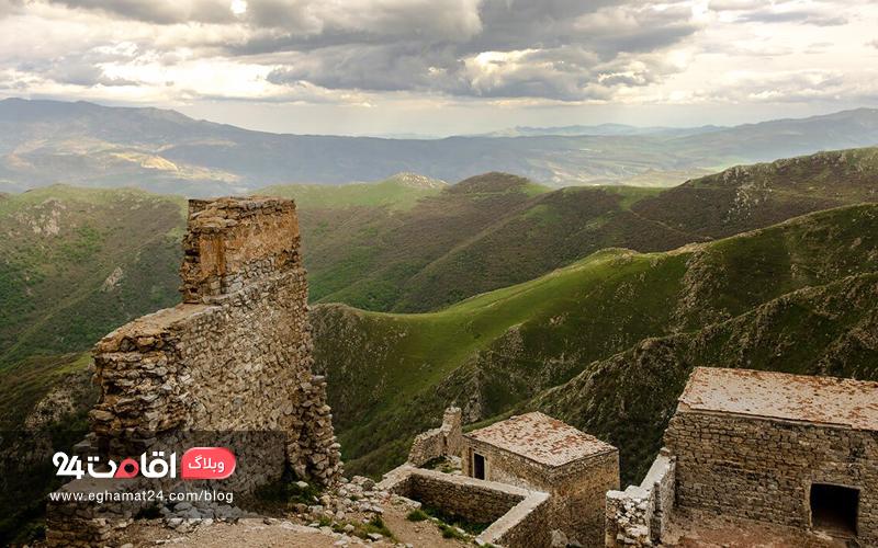 نمایی بر فراز قلعه بابک