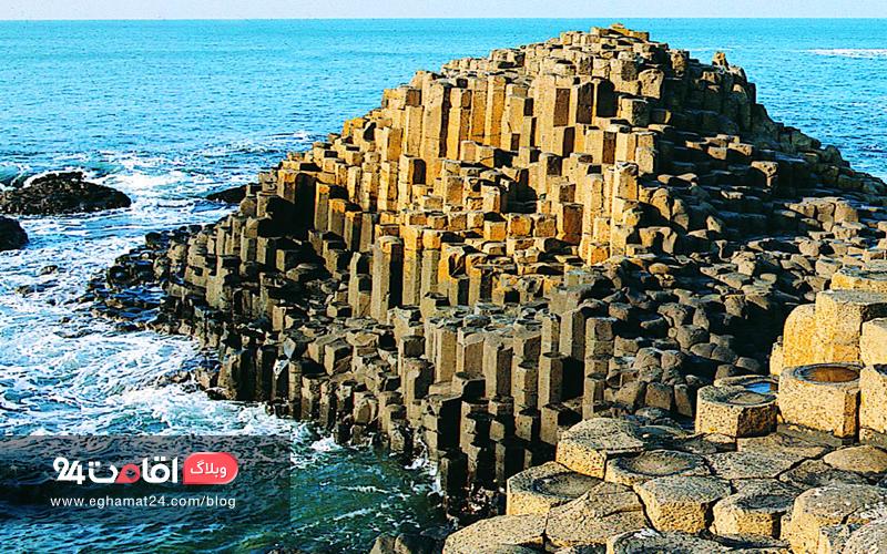 Giant's Causeway - مناظر سورئال