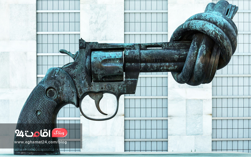 Knotted gun sculpture, New York, USA